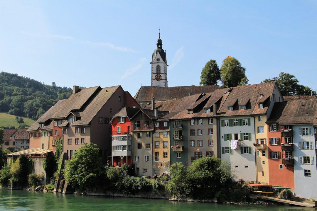 Le village de Laufenburg, en Allemagne, le long du Rhin