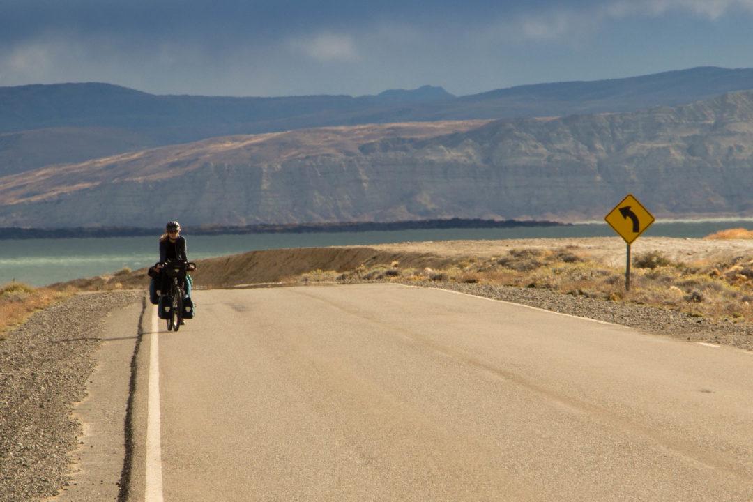 Pauline, sur la route, en quittant El Calafate, Patagonie argentine