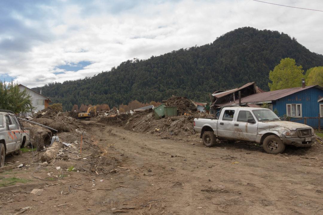 Les restes du glissement de terrain à Villa Santa Lucia