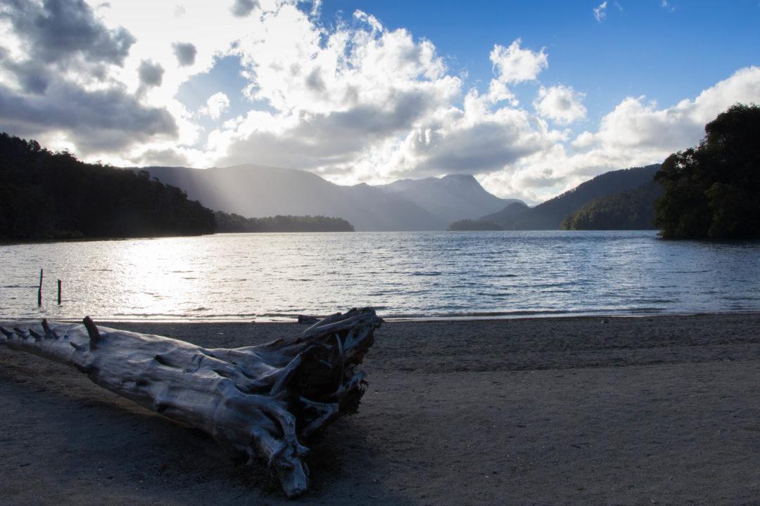 Coucher de soleil au lac Espejo, sur la route des 7 lacs, Argentine