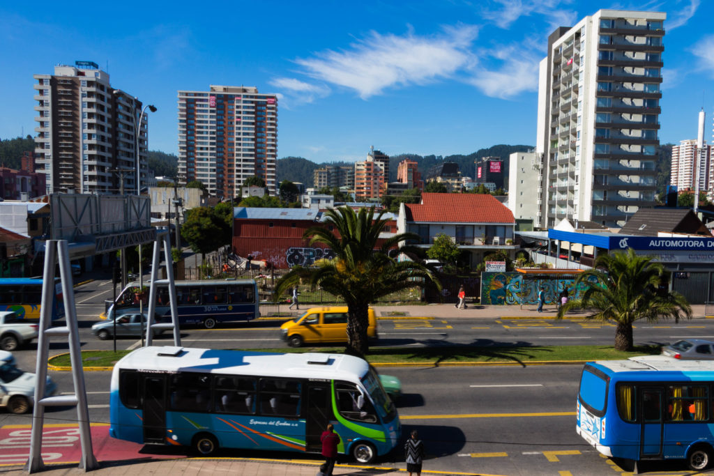 La ville de Concepcion, avec ses grosses artères et ses gratte-ciels
