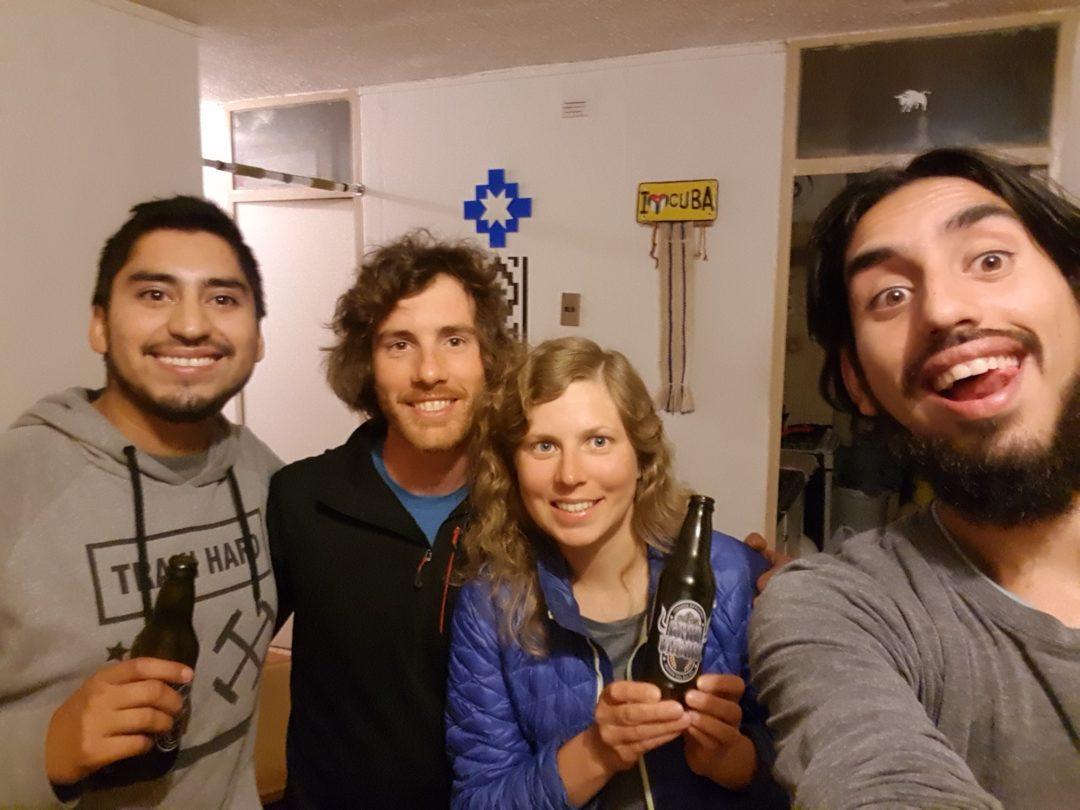 A Concepcion, nous sommes hébergés par Herman et Memo (Warmshowers) : excellente soirée et excellente bière artisanale (Gran Bagual) !