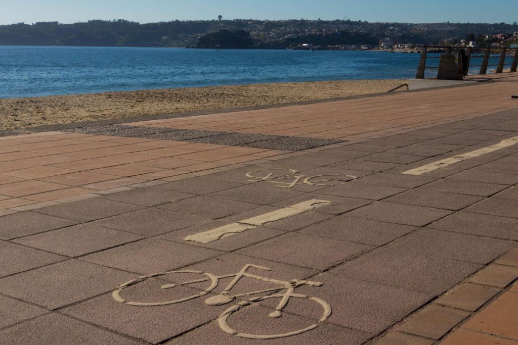Une piste cyclable le long de l'océan, le rêve :)