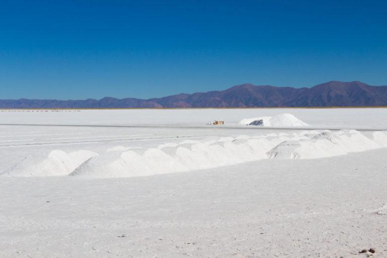 La récolte du sel sur les Salinas Grandes, Argentine, province de Jujuy