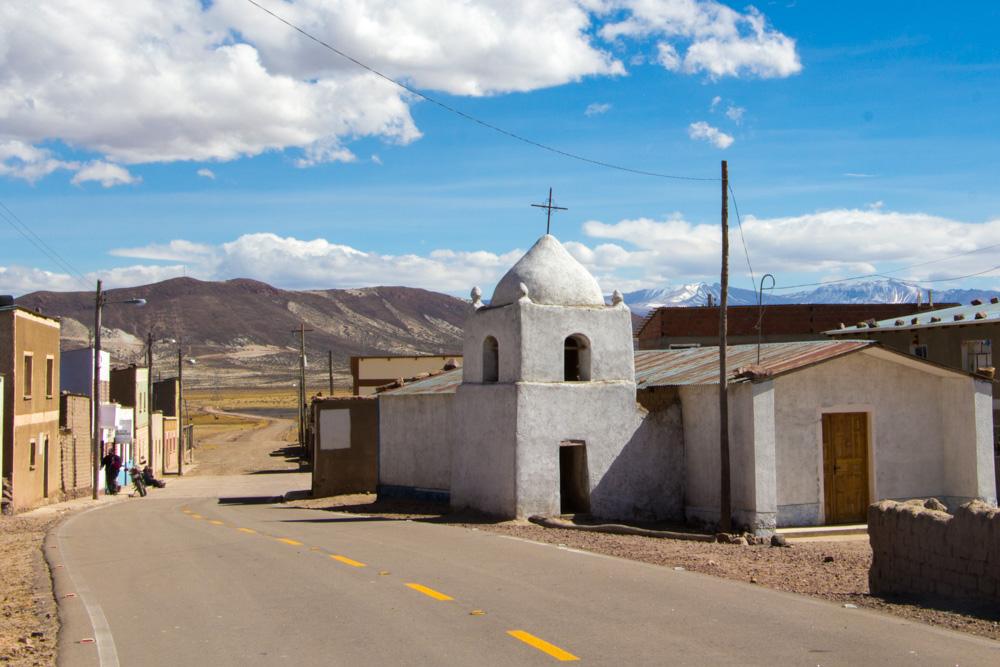 La petite église du hameau de Chaquilla, en Bolivie, entre Uyuni et Potosi