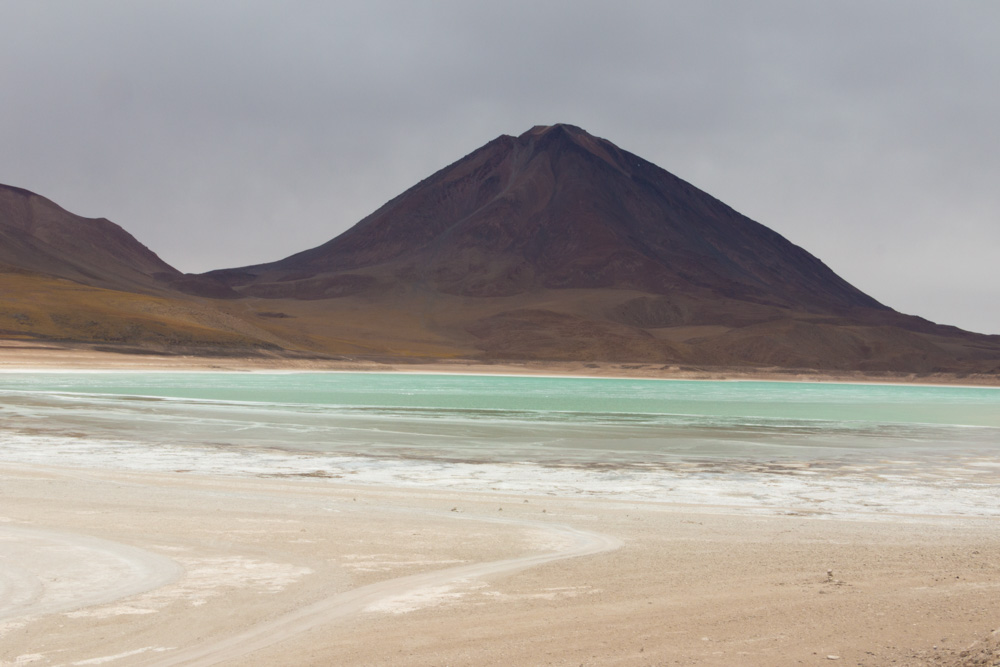 La Laguna Verde, dans le Sud-Lipez, avec le mauvais temps malheureusement ...