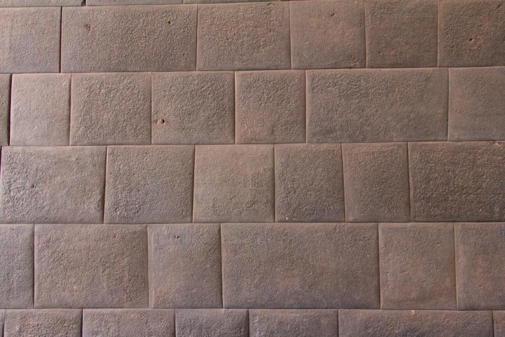 """Un mur inca de l'ancien Qoricancha de Cusco, """"temple du soleil"""""""