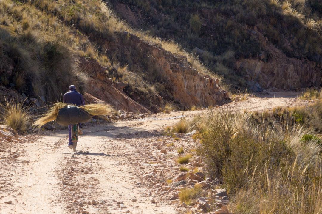 Lac Titicaca - Vélo au passage frontière vers le Pérou