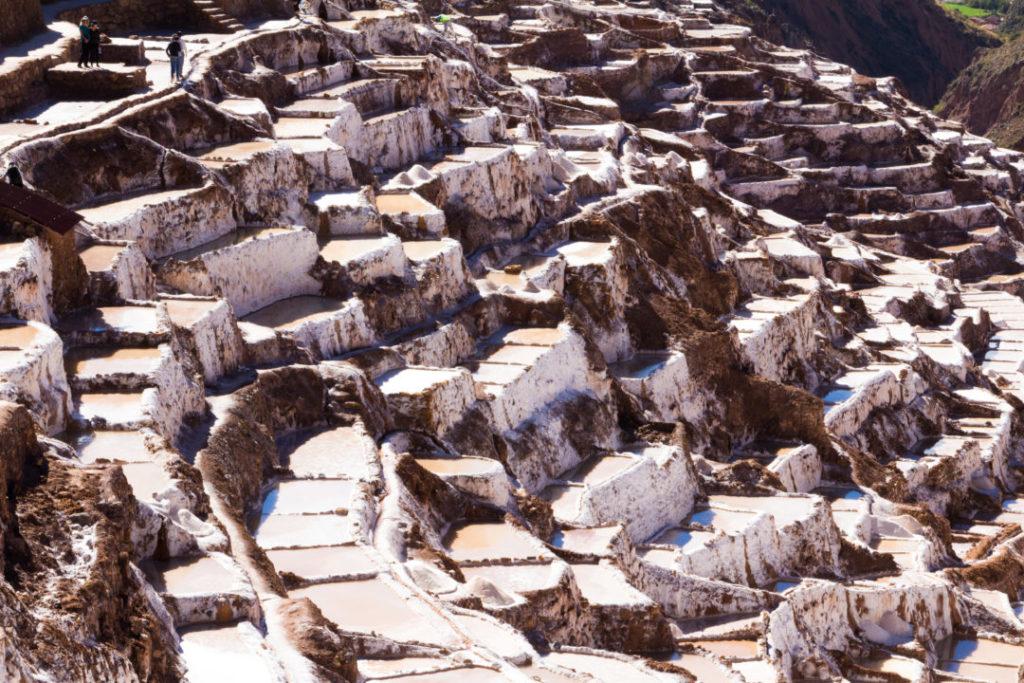 Les Salineras de Maras, près de 4000 bassins salins en aval d'un petit cours d'eau salé