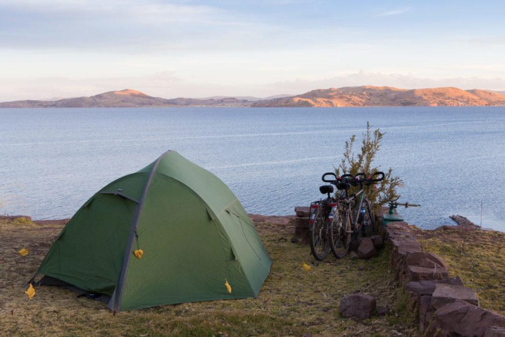 Camping à Llachon, sur la péninsule de Capachica, avec vue sur le lac Titicaca