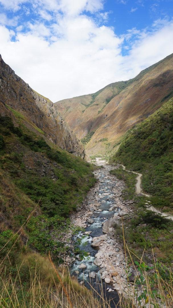 La rivière avant l'arrivée à Hidroelectrica