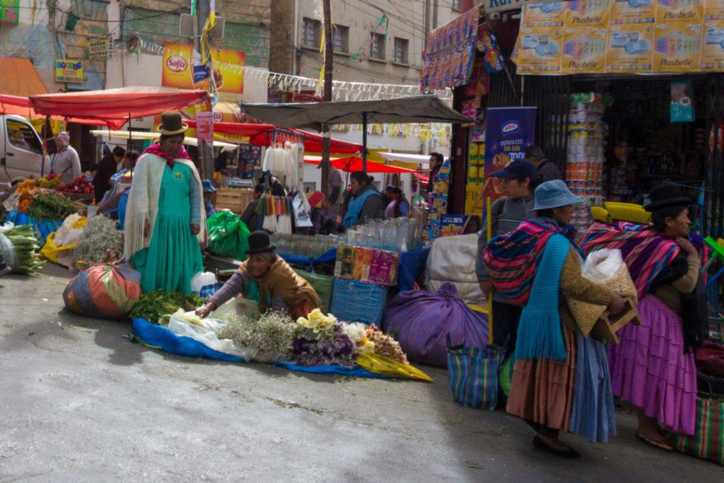 Un marché de rue, à La Paz