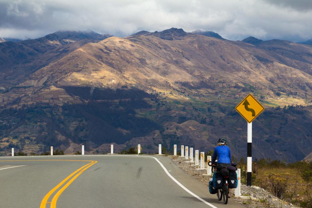 Entre Cusco et Abancay - Pauline dans la montagne
