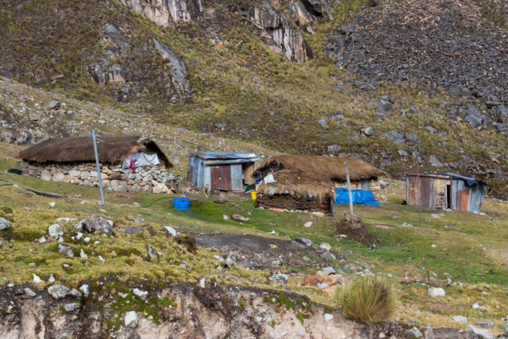 Cordillera Huayhuash - Habitations