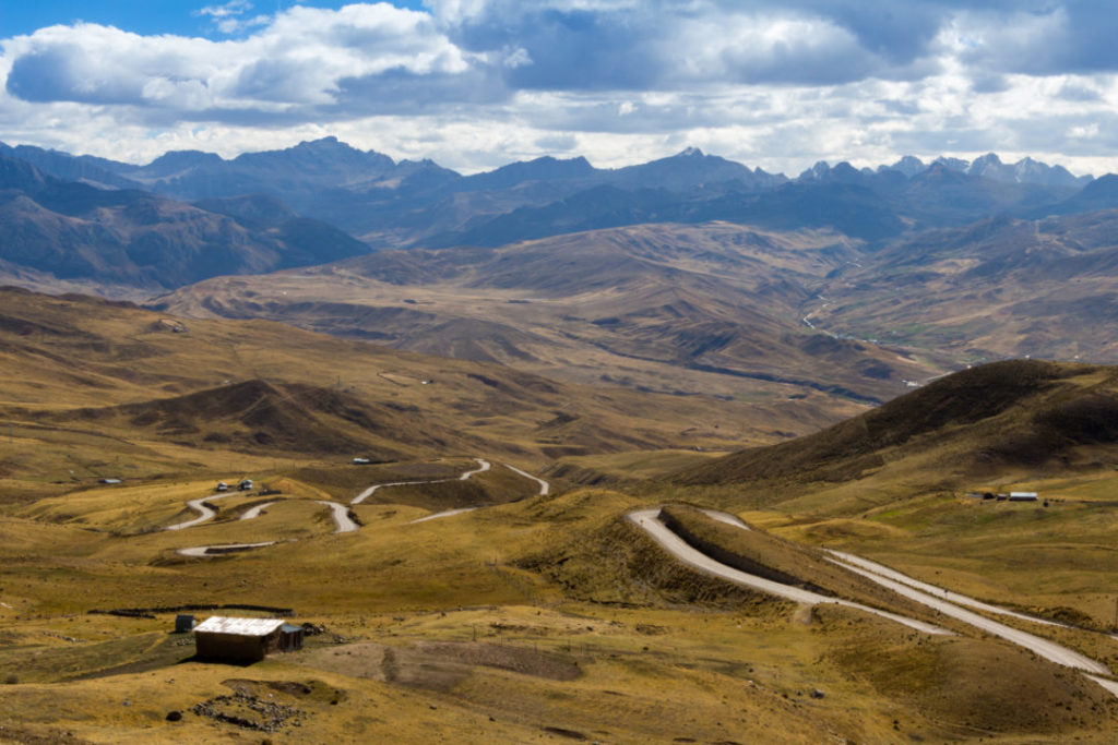Cordillera Huayhuash - Piste en lacets