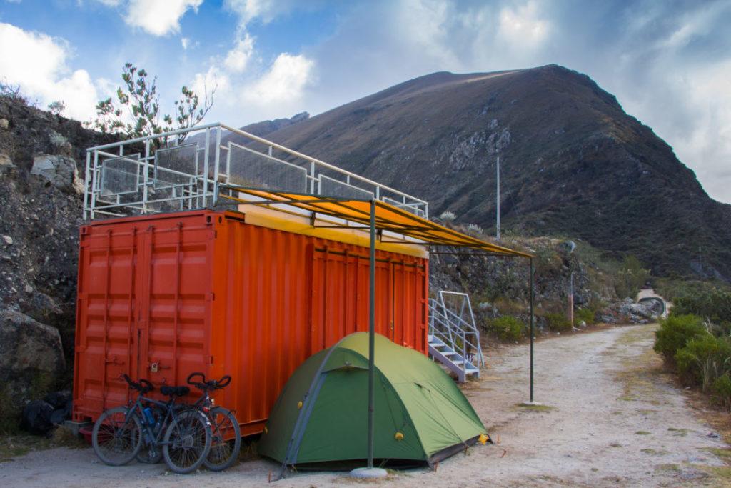 Parc Huascaran - Bivouac au container-bar Sierra Andina