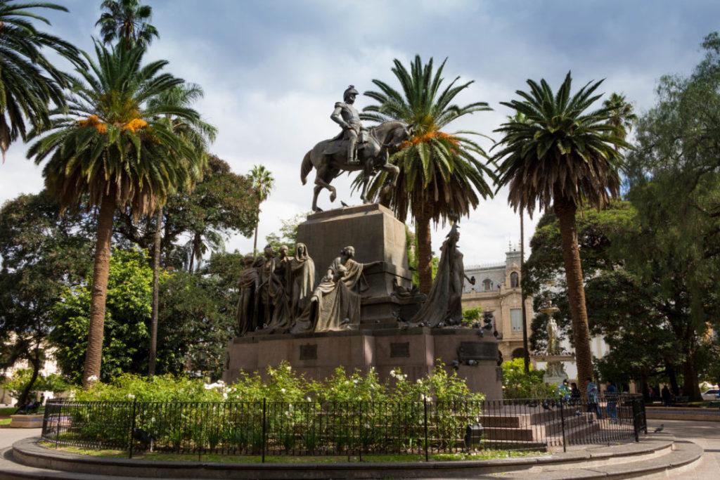 La place centrale de Salta, avec ses palmier
