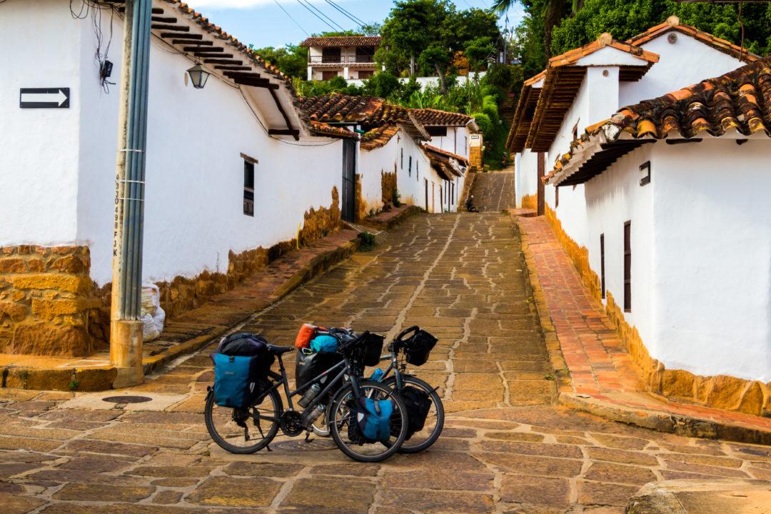 Barichara - Nos vélos dans une ruelle