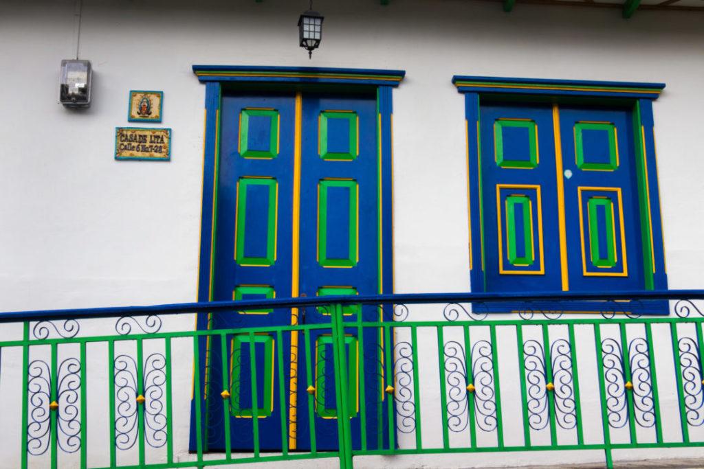 Salento - Porte bleue