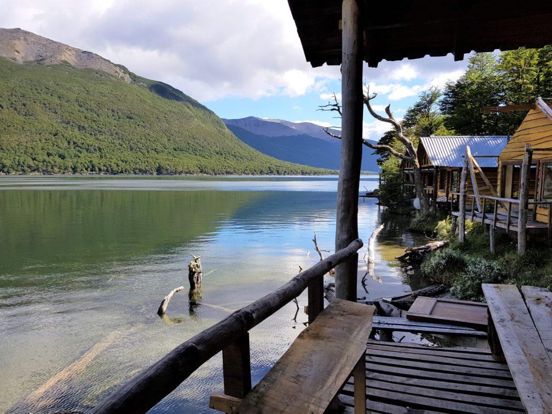 Notre premier bivouac, dans des cabanes abandonnées au Lago Escondido, à 50 km d'Ushuaïa