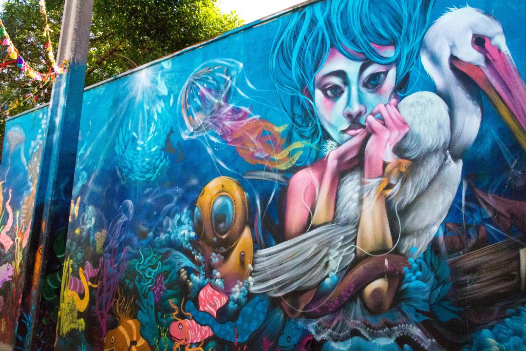 Peinture murale d'inspiration marine à Valparaiso