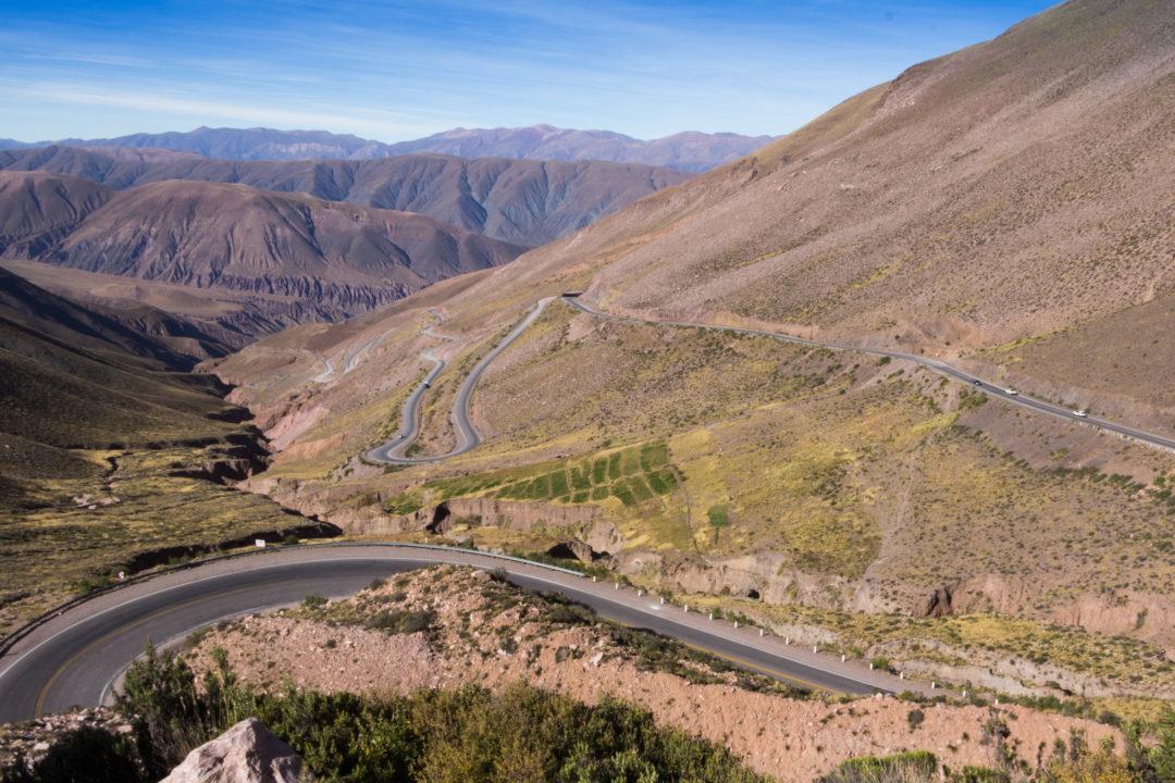 Les lacets de la Cuesta de Lipan, qui mène à notre premier col au dessus de 4.000m