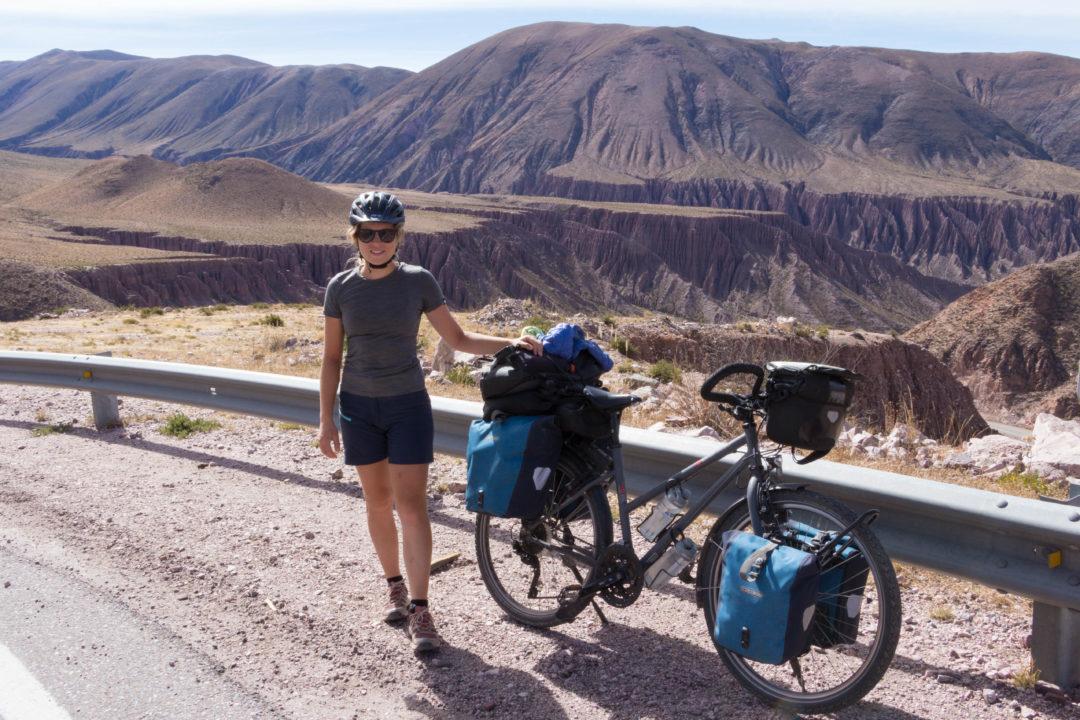 Pauline, dans la montée de la Cuesta de Lipan, après Purmamarca, Argentine