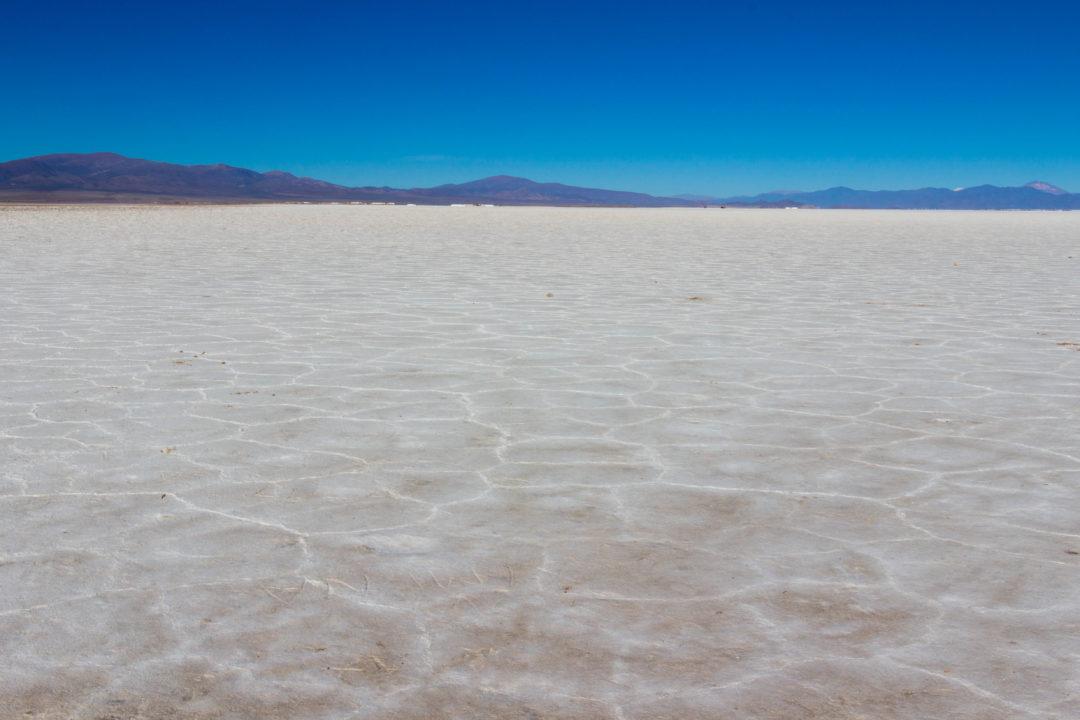La croûte de sel des Salinas Grandes, Argentine, province de Jujuy