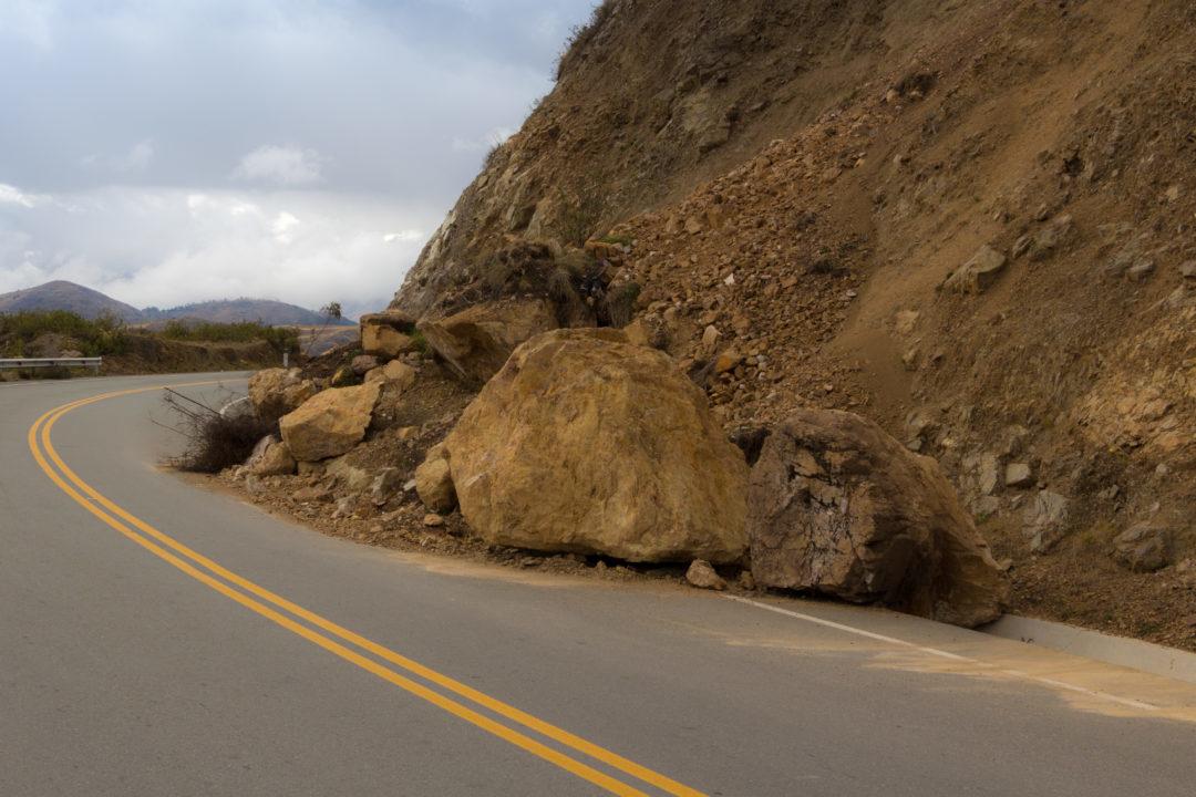 Entre Cusco et Andahuaylas - Eboulement sur la route