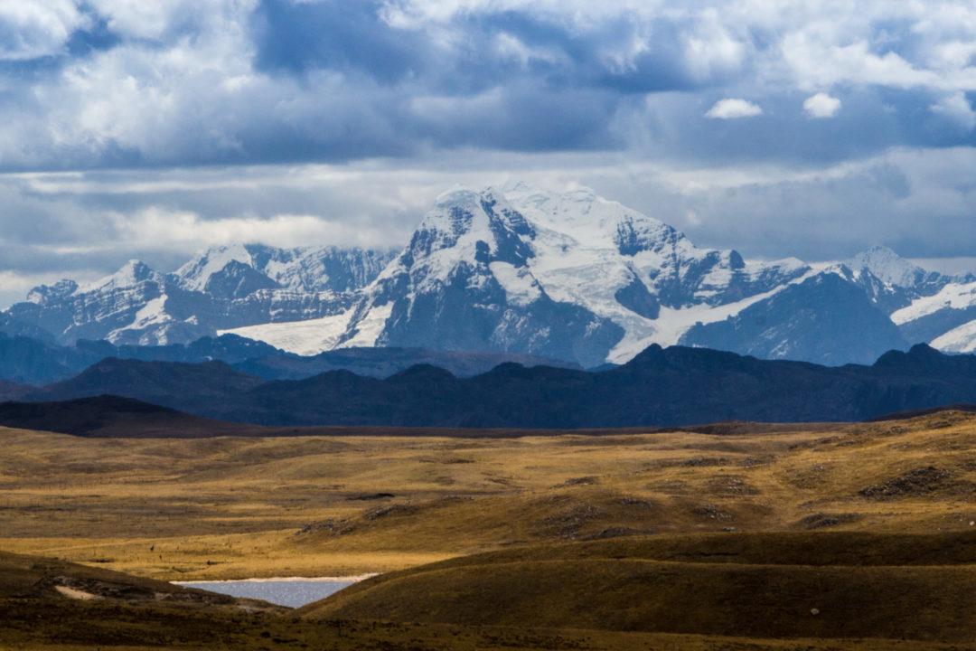 Cordillera Huayhuash - Vue sur les sommets au loin