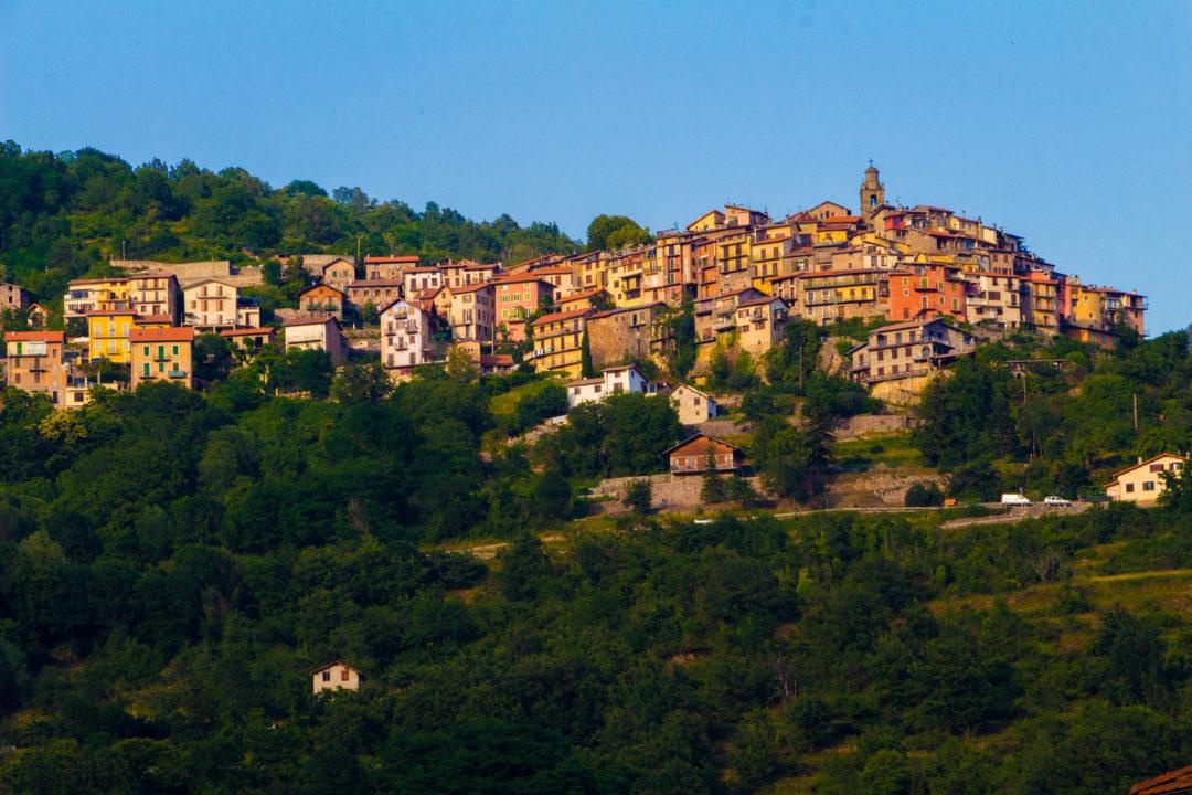 Village de Belvédère vu depuis Roquebillière